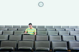635805173401551124-1244368609_Empty-classroom